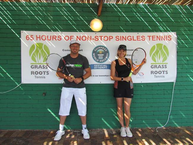 Hai tay vợt đấu liên tục 64 giờ và động cơ phía sau khiến nhiều người nể phục - Ảnh 2.