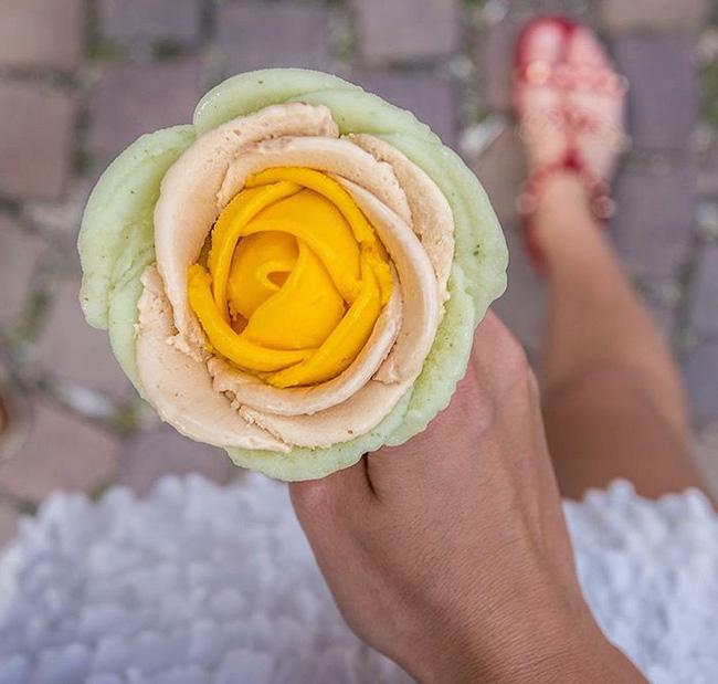 Kem ốc quế đẹp như bông hoa ngày Tết khiến chẳng ai nỡ ăn - Ảnh 13.