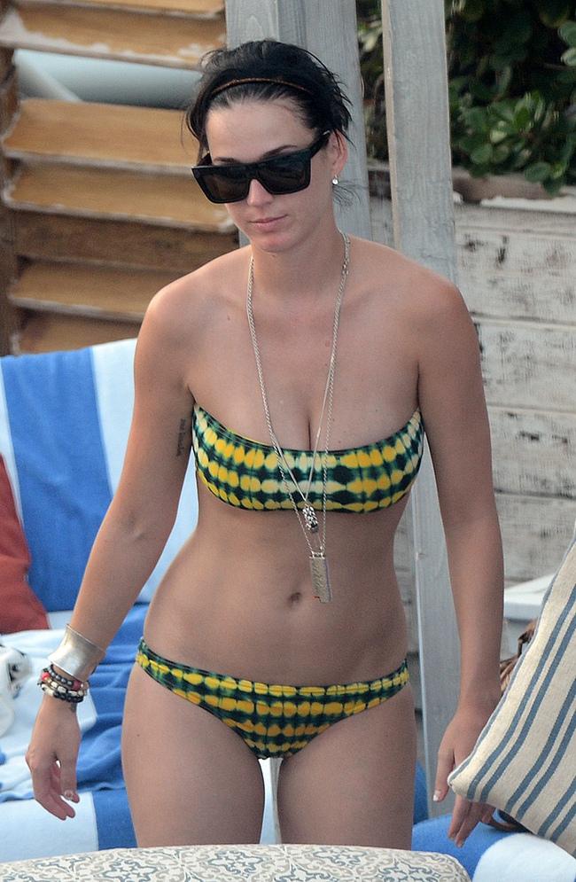 So về độ nóng bỏng, bạn gái tin đồn mới của Orlando Bloom không hề kém cạnh Miranda Kerr và Katy Perry! - Ảnh 11.