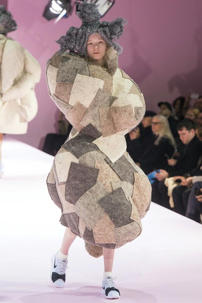 Kỳ lạ: Thiết kế mới nhất của Comme des Garçons giông giống sáng tạo của Đỗ Mạnh Cường - Ảnh 8.