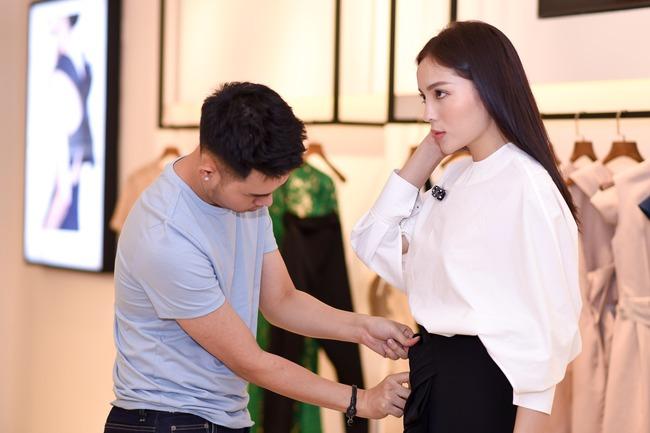 Hoa hậu Kỳ Duyên sẽ mặc gì để nổi bật giữa một dàn Hoa hậu tại show diễn Lâm Gia Khang? - ảnh 11