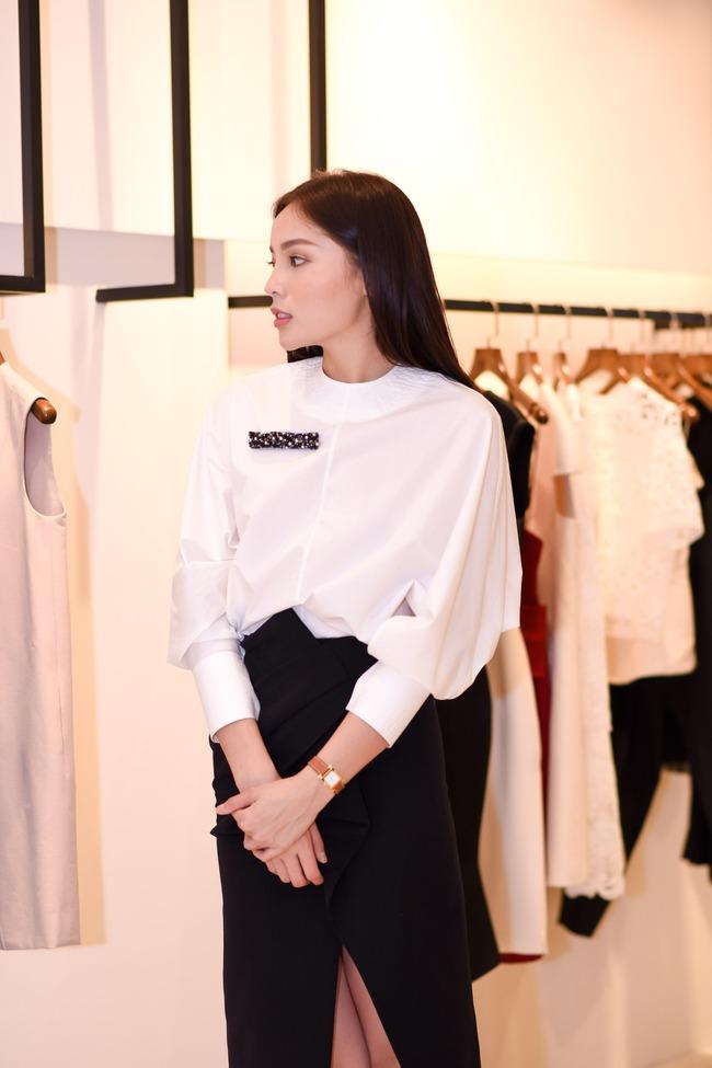 Hoa hậu Kỳ Duyên sẽ mặc gì để nổi bật giữa một dàn Hoa hậu tại show diễn Lâm Gia Khang? - ảnh 12