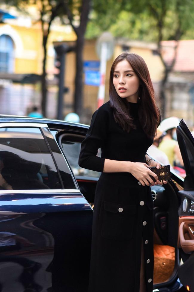 Hoa hậu Kỳ Duyên sẽ mặc gì để nổi bật giữa một dàn Hoa hậu tại show diễn Lâm Gia Khang? - ảnh 2
