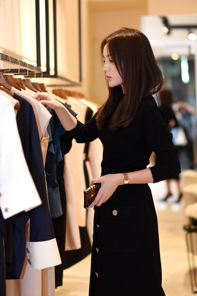 Hoa hậu Kỳ Duyên sẽ mặc gì để nổi bật giữa một dàn Hoa hậu tại show diễn Lâm Gia Khang? - ảnh 7