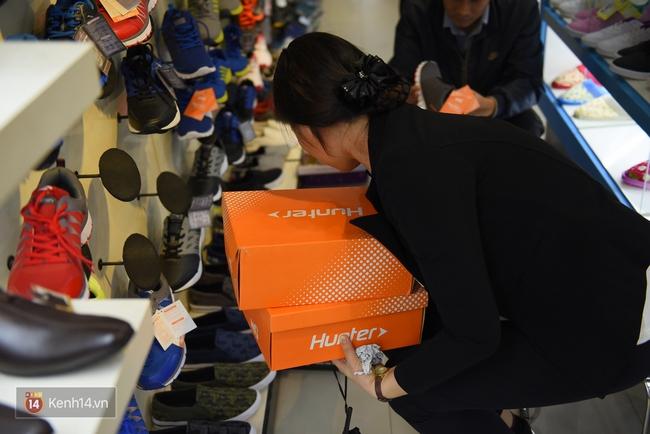 Giày Bitis Hunter của Sơn Tùng cháy hàng trên mọi mặt trận, cả hàng dài khách đăng kí chờ mua - Ảnh 10.
