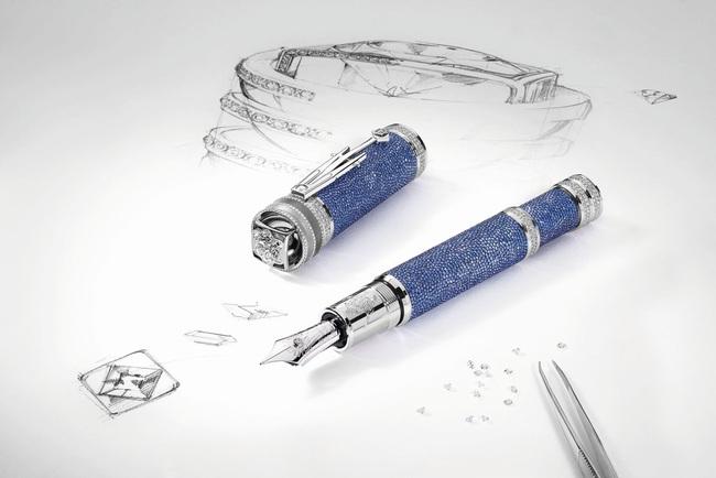 Chiếc bút bi nạm kim cương giá 34 tỷ đồng cầm sang tay thôi rồi - Ảnh 2.