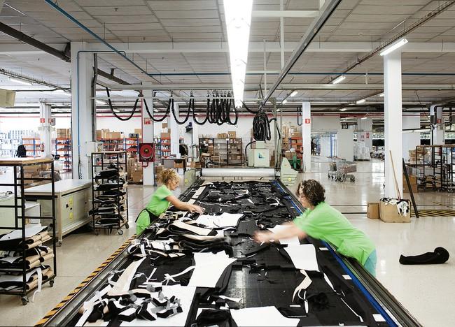 H&M, Zara và Uniqlo: Đều là thời trang bình dân, tưởng giống nhau mà thực ra lại rất khác! - Ảnh 9.