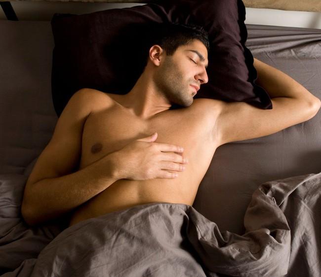 Cứ cởi trần khi ngủ đi, bạn sẽ rước bệnh vào người đấy! - Ảnh 2.