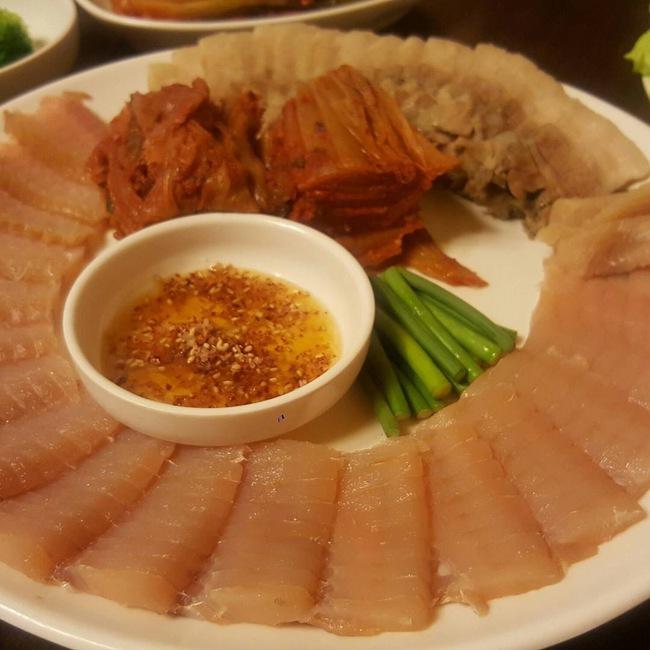 Nhìn những món ăn nổi tiếng Hàn Quốc này, đảm bảo rất nhiều người muốn... bỏ chạy - Ảnh 9.