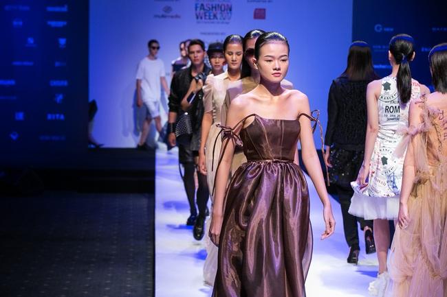 Đến hẹn lại lên, Vietnam International Fashion Week trở lại với mùa Xuân/Hè 2017 vào cuối tháng 4 này - Ảnh 20.