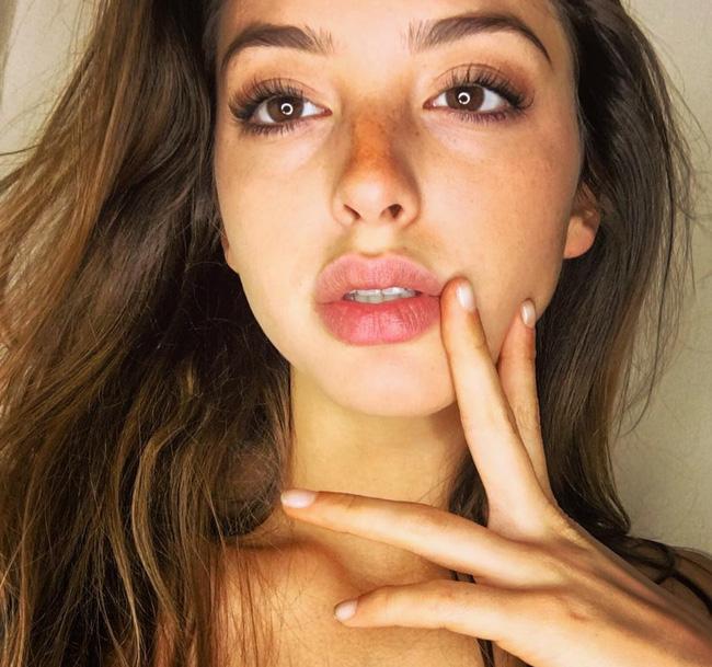 Ngày mai (28/4), Celine Farach - cô nàng sexy nhất mạng xã hội sẽ có mặt ở Sài Gòn! - Ảnh 9.