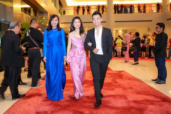 Phạm Hồng Phước đoạt giải Nam diễn viên chính xuất sắc tại LHP Quốc tế Asean 2017 - Ảnh 4.