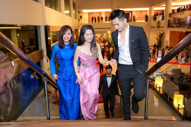 Phạm Hồng Phước đoạt giải Nam diễn viên chính xuất sắc tại LHP Quốc tế Asean 2017 - Ảnh 5.