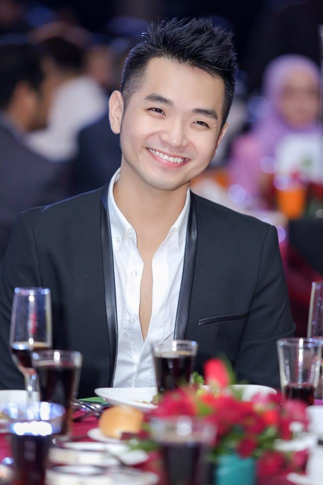 Phạm Hồng Phước đoạt giải Nam diễn viên chính xuất sắc tại LHP Quốc tế Asean 2017 - Ảnh 8.