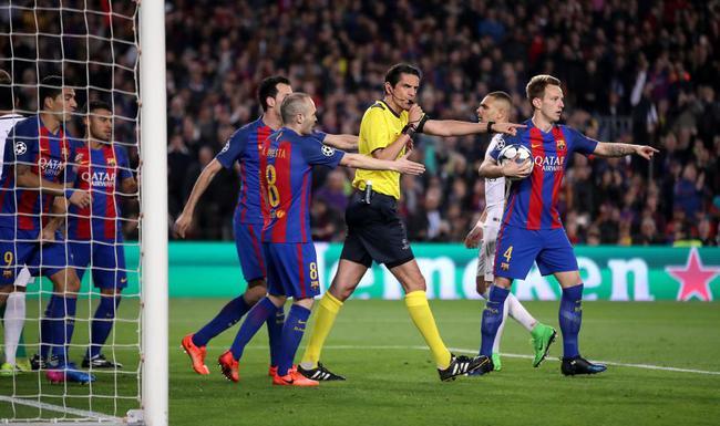 Barca bị mỉa mai trên sóng truyền hình ở một tầm cao mới - Ảnh 3.
