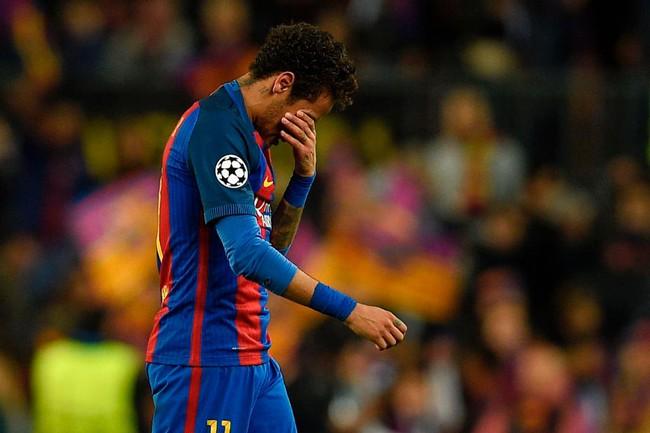 Neymar khóc như mưa, có thể rời Barca đến Man Utd - Ảnh 1.