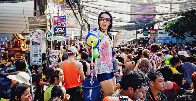 Những thay đổi trong lễ hội té nước Songkran năm nay sẽ khiến nhiều du khách không khỏi thất vọng - Ảnh 1.