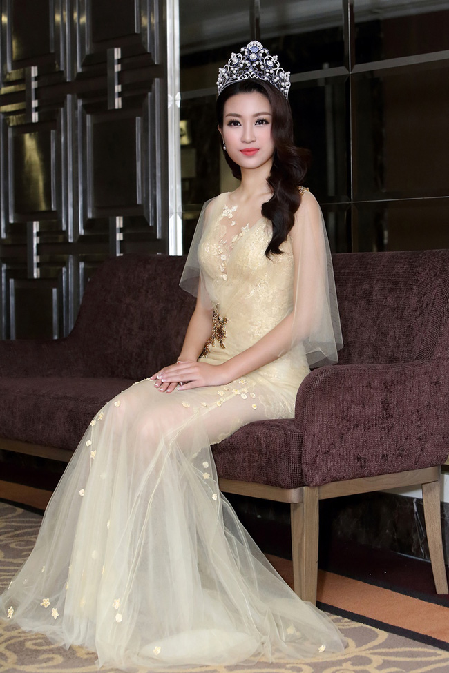 Trước khi thiết kế váy cho tân HHHV, Hoàng Hải vốn đã là NTK của mọi Hoa hậu Việt - Ảnh 10.