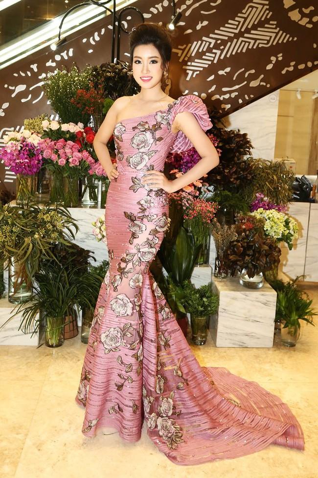 Trước khi thiết kế váy cho tân HHHV, Hoàng Hải vốn đã là NTK của mọi Hoa hậu Việt - Ảnh 14.