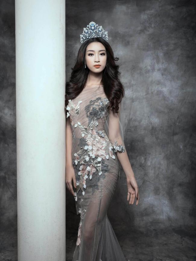Trước khi thiết kế váy cho tân HHHV, Hoàng Hải vốn đã là NTK của mọi Hoa hậu Việt - Ảnh 13.