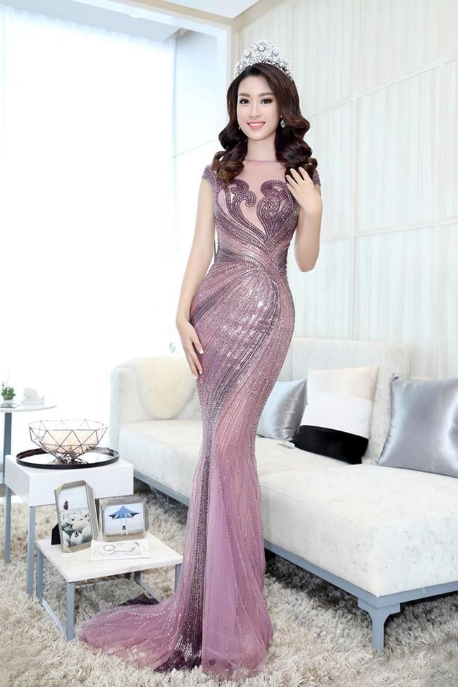 Trước khi thiết kế váy cho tân HHHV, Hoàng Hải vốn đã là NTK của mọi Hoa hậu Việt - Ảnh 11.