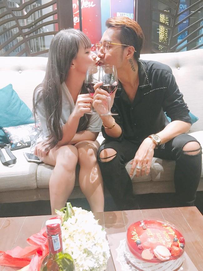 Vợ chồng OnlyC hôn nhau hạnh phúc trong đêm kỷ niệm 2 năm ngày cưới - Ảnh 6.