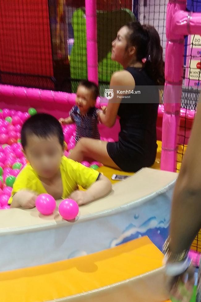 Phi Thanh Vân vui vẻ nô đùa cùng con trai giữa tâm bão đấu tố với chồng cũ - Ảnh 2.