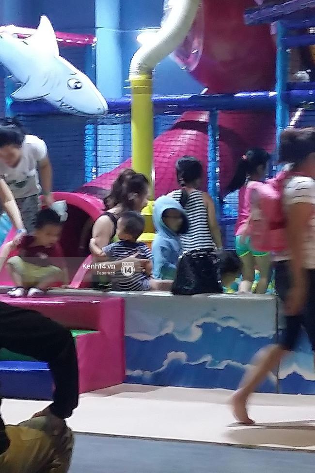 Phi Thanh Vân vui vẻ nô đùa cùng con trai giữa tâm bão đấu tố với chồng cũ - Ảnh 6.