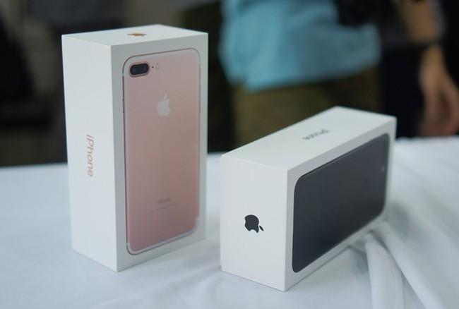 iPhone 7 liên tục giảm giá, phải chăng người Việt đã chán iPhone? - Ảnh 1.