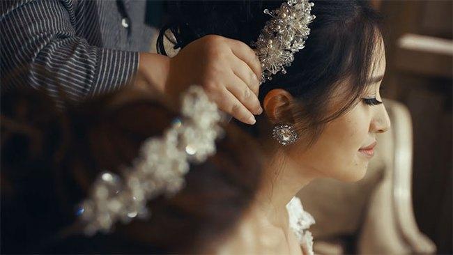 Cô dâu đồng tính được sếp dẫn lên lễ đường vì bố đẻ từ chối có mặt - Ảnh 2.