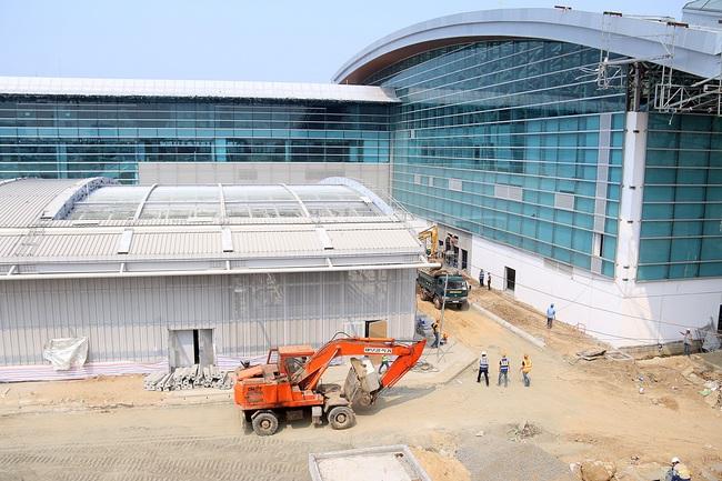 Cận cảnh nhà ga hành khách quốc tế hơn 3.500 tỷ đồng sắp hoàn thành ở Đà Nẵng - Ảnh 9.