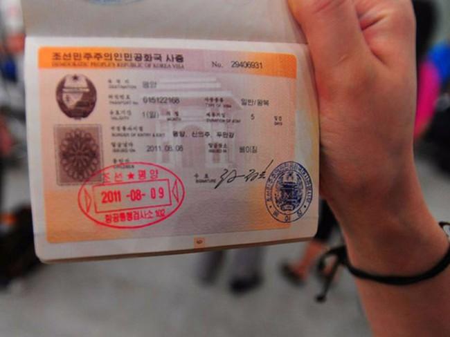 Bạn đã biết chưa? Đây chính là 10 con dấu hộ chiếu cool nhất quả đất - Ảnh 2.