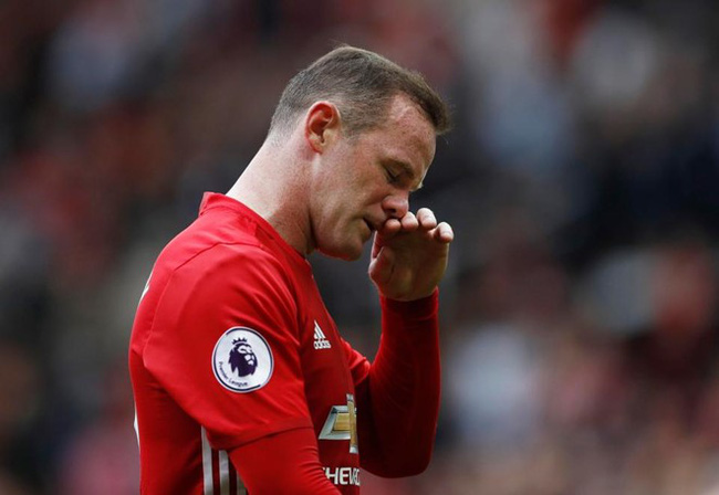 Huyền thoại MU khuyên Rooney giải nghệ sau mùa này - Ảnh 1.