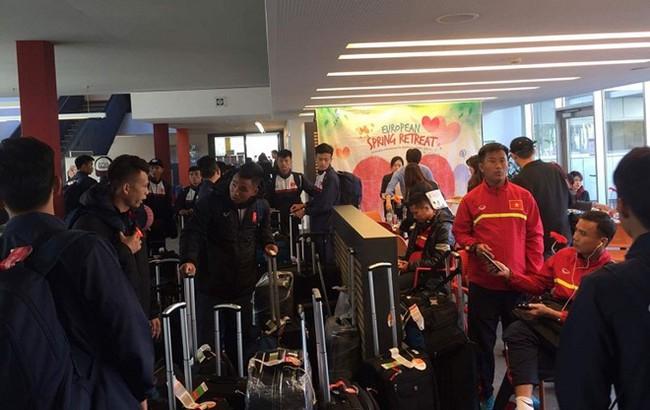 U20 Việt Nam thất lạc hành lý ở Đức - Ảnh 2.