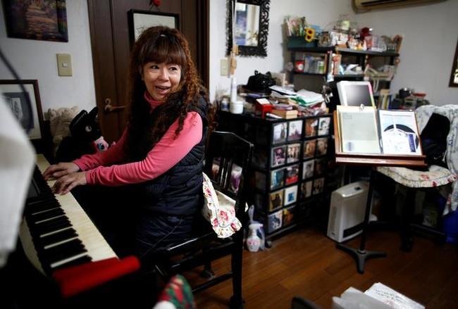 Cuộc đời vất vưởng của thế hệ ăn bám cha mẹ tại Nhật Bản - Ảnh 1.