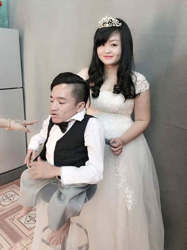 Tình yêu cổ tích của chàng trai xương thủy tinh từng vượt 300km ra Hà Nội đăng ký hiến xác - Ảnh 4.