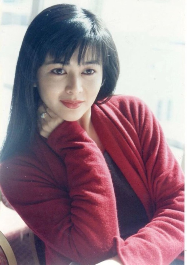 Nhan sắc của những mỹ nhân TVB thập niên 90: Chẳng cần photoshop vẫn đẹp đến nao lòng - Ảnh 14.