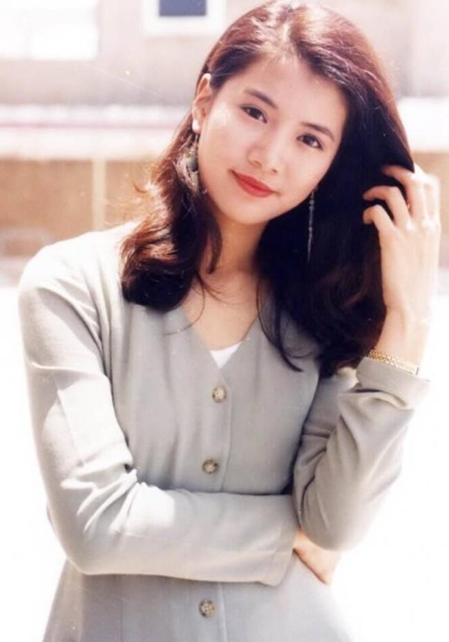 Nhan sắc của những mỹ nhân TVB thập niên 90: Chẳng cần photoshop vẫn đẹp đến nao lòng - Ảnh 26.