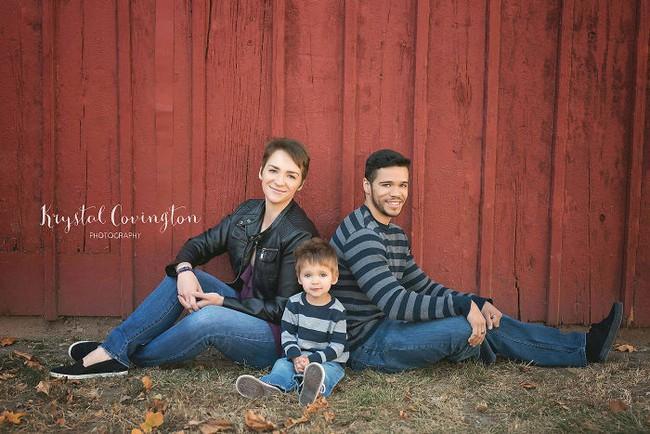 Chia tay nhau đã lâu, 2 vợ chồng vẫn chụp ảnh gia đình mỗi năm và lý do cảm động đằng sau - Ảnh 6.