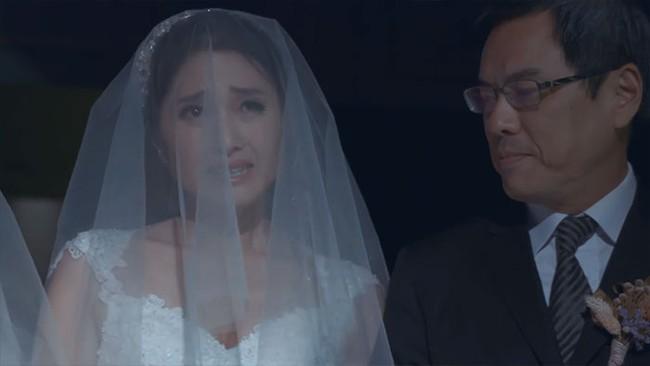 Cô dâu đồng tính được sếp dẫn lên lễ đường vì bố đẻ từ chối có mặt - Ảnh 6.