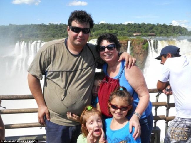 Tuyển tập những bức ảnh du lịch gia đình hài hước mà nhìn xong chỉ muốn chết ngất vì cười - Ảnh 7.