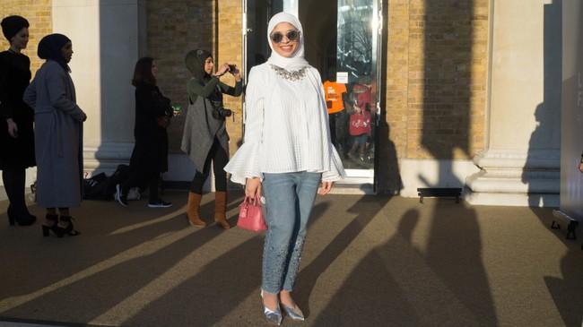 Nếu bạn thắc mắc phụ nữ Hồi giáo mặc gì đi dự Fashion Week, thì đây là giải đáp cho bạn - Ảnh 10.