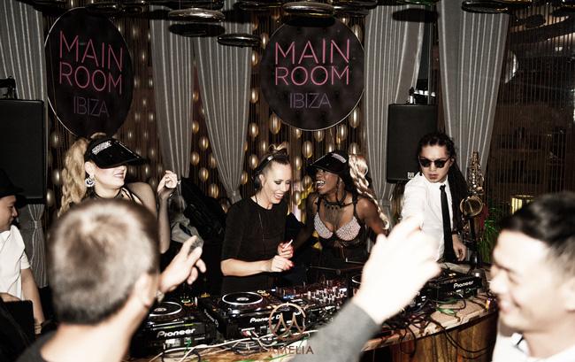 """Khán giả Hà Nội say sưa trong đêm nhạc đẳng cấp từ """"nữ thần"""" DJ Ibiza – Sarah Main - Ảnh 4."""