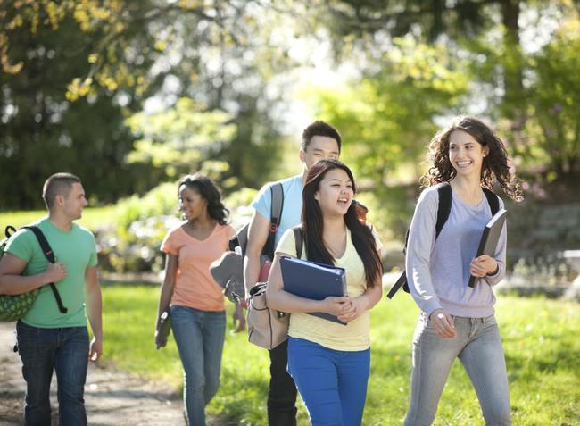 Sinh viên sống và học tập thế nào để khi ra trường không phải nói Giá như... - ảnh 1
