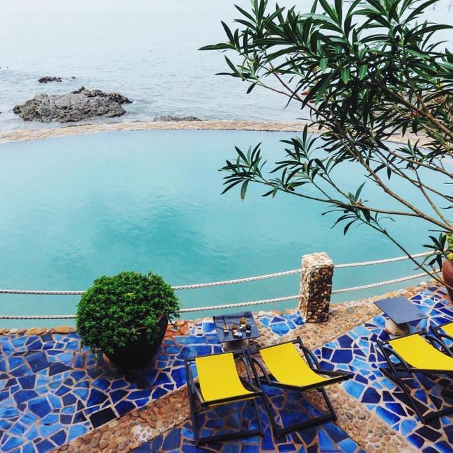 Bạn sẽ mê mẩn 3 hồ bơi tràn bờ biển siêu đẹp và rất gần Sài Gòn này mất! - Ảnh 17.
