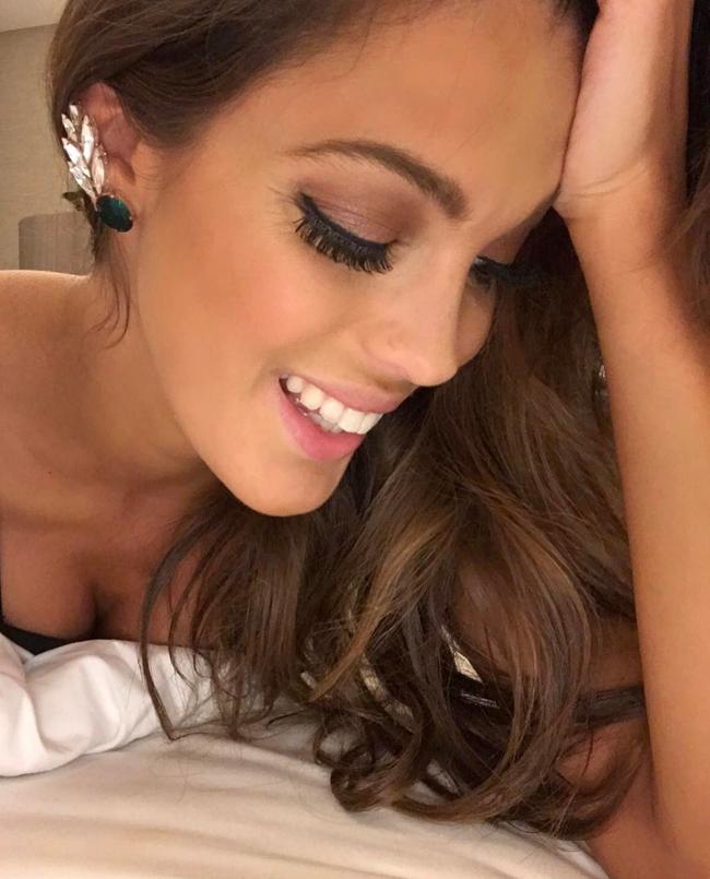 Chiêm ngưỡng nhan sắc của Tân Hoa hậu Hoàn vũ 2016 - Iris Mettenaere - Ảnh 12.