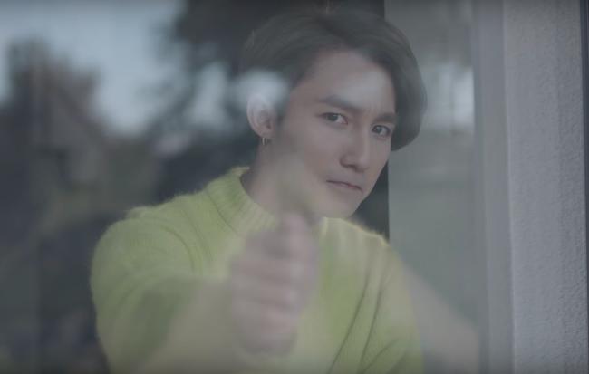 Lần đầu tiên Sơn Tùng đụng hàng với nam thần Lee Min Ho, ai mặc đẹp hơn? - Ảnh 2.