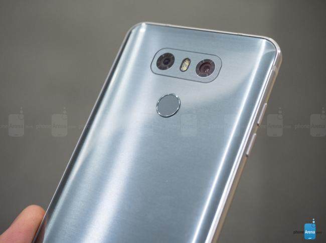 Siêu phẩm LG G6 chính thức ra mắt: màn hình cực đẹp, camera kép, chống nước và bụi ấn tượng