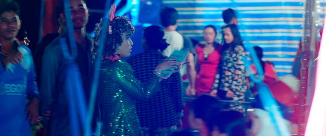 Hữu Châu bất lực nhìn Nam Em bị cưỡng hiếp trong trailer Lô Tô - Ảnh 15.