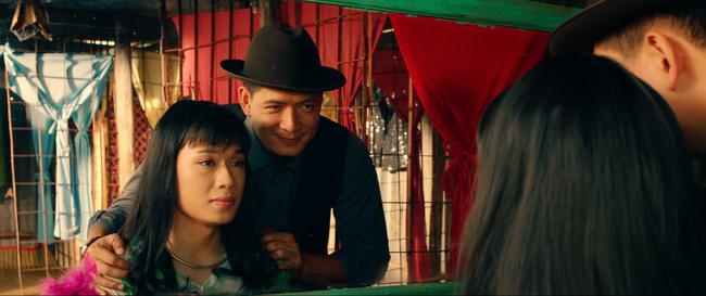Hữu Châu bất lực nhìn Nam Em bị cưỡng hiếp trong trailer Lô Tô - Ảnh 7.